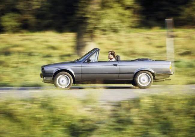 BMW E30 3 Series - 320i Cabrio