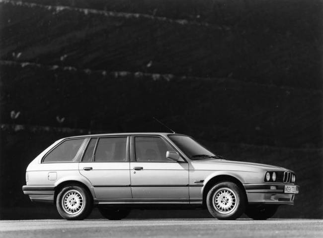 BMW E30 3 Series - 320i Touring