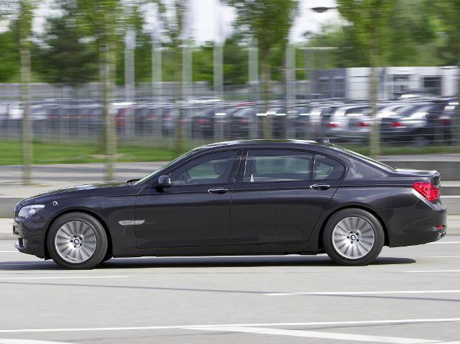 Бронированная модель роскошного седена BMW F03 Security