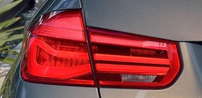 Задняя оптика обновленного седана БМВ Ф30