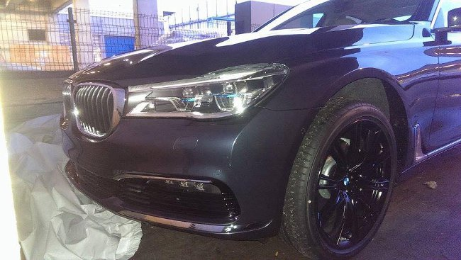 Первые фото нового BMW G11 7 Series 2015 года - передняя часть автомобиля