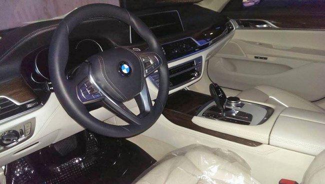 Салон BMW G11 7 Series 2015 года