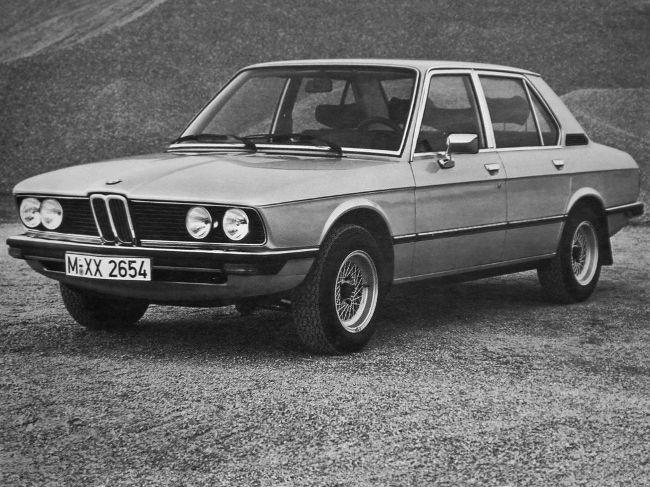 BMW 533i E12 - был выпущен в 1974 году