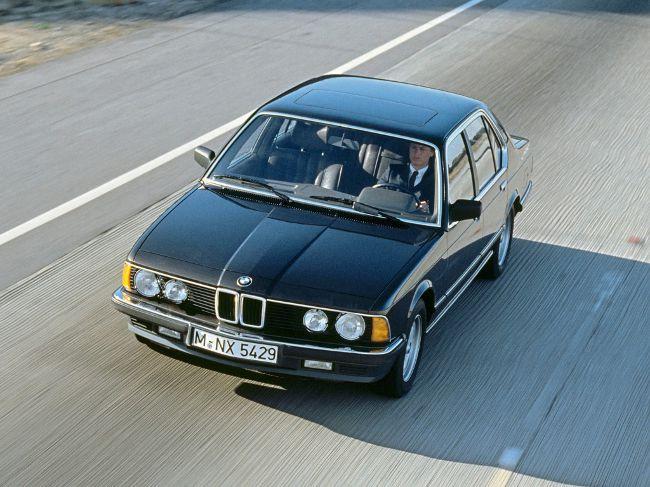 BMW E23 - первое поколение роскошных седанов 7 серии