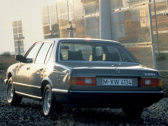 BMW E23 - первое поколение седанов 7 Series