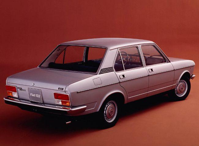 Fiat 132 GLS - вид сзади