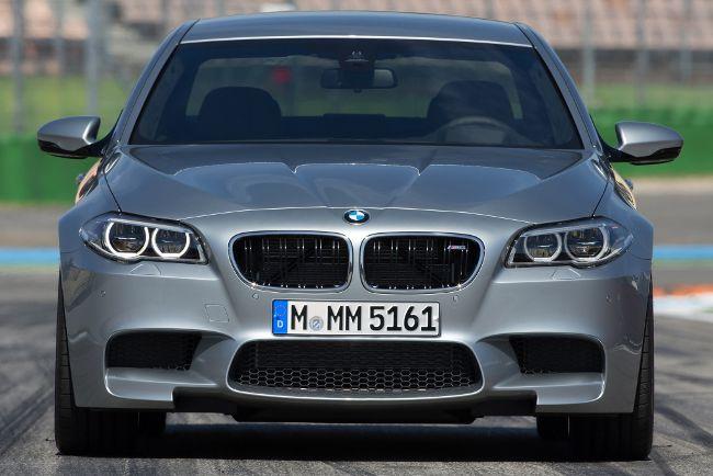 Обновленная версия седана BMW M5 F10
