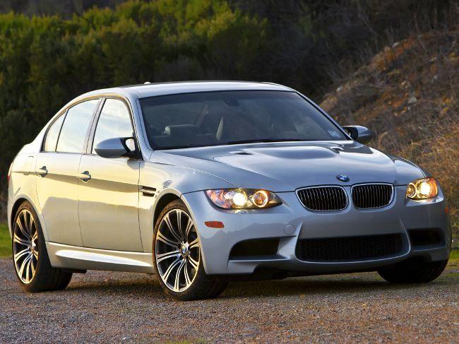 Седан BMW M3 E90 - фото
