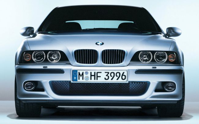 Фото BMW M5 в кузове Е39