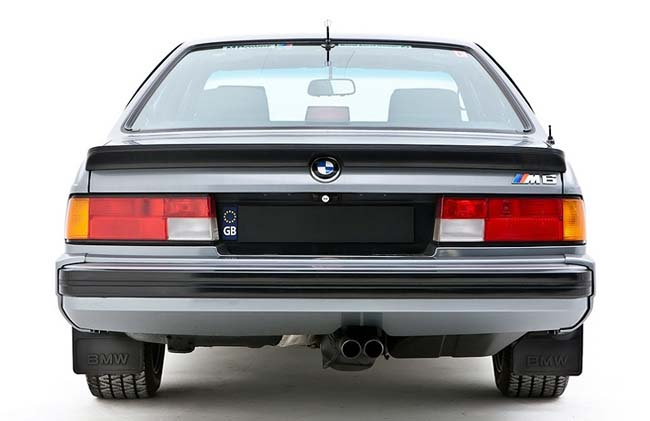 BMW M635CSi E24 - производился для Европы
