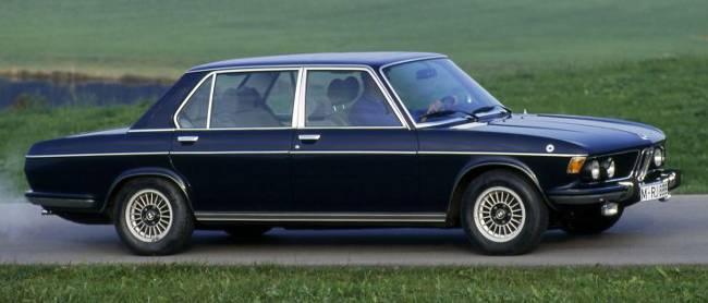 BMW 3.3 L - самая элегантная версия седана E3