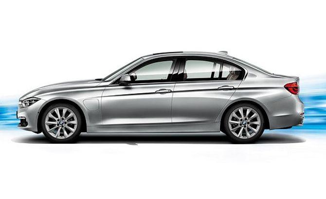 BMW 330E F30 3 Series - вид сбоку
