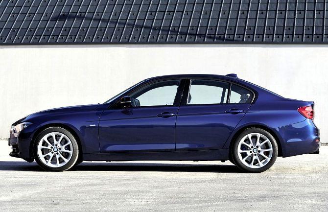 BMW 340i F30 3 Series - вид сбоку