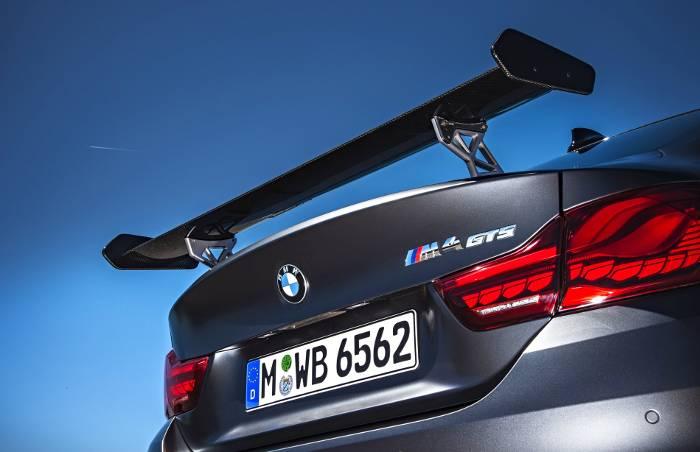Задняя часть BMW M4 GTS F82