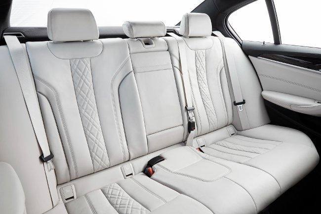 Интерьер-BMW-540i-G30-M-Sport-Package