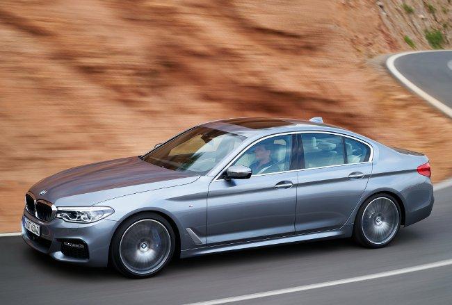 Новый-седан-BMW-5-серии-540i-G30