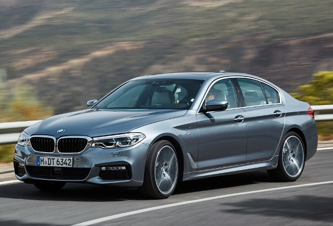 Седан-2017-года-BMW-540i-G30-M-Sport-Package