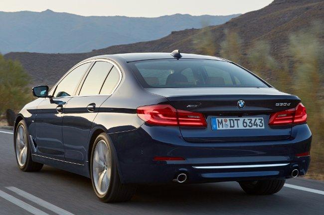 Фото-полноприводного-седана-BMW-530d-G30