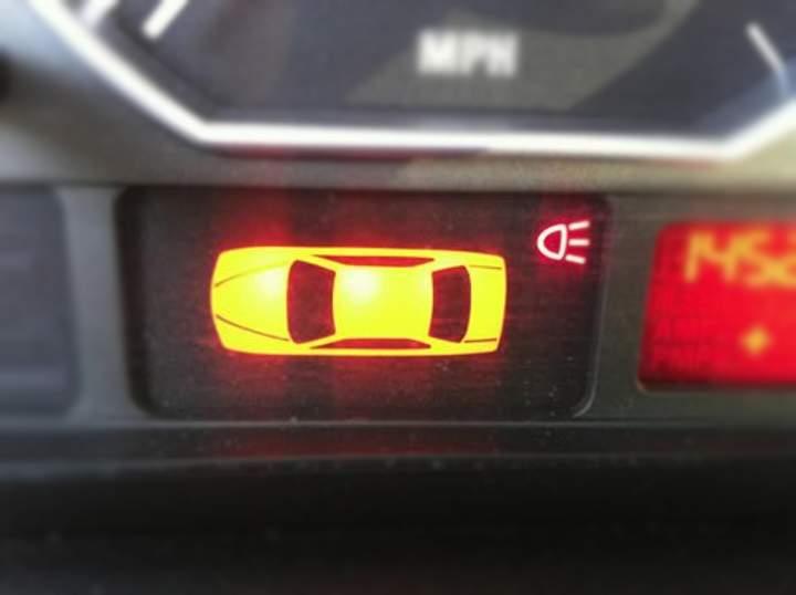 Предупреждение Tail Lamp Out в БМВ Е46