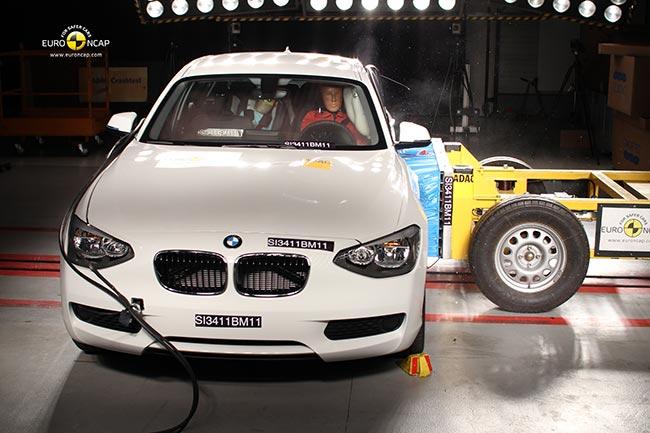 Боковой удар в BMWF20