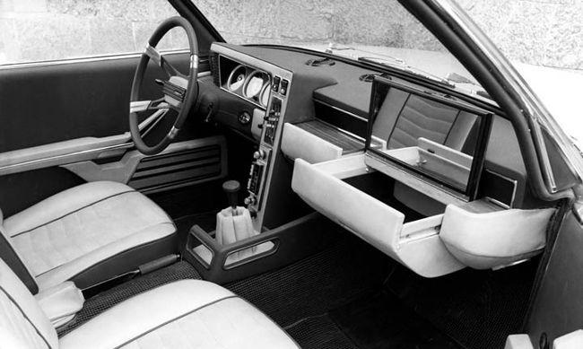 Салон Bertone BMW 2200 TI Garmisch