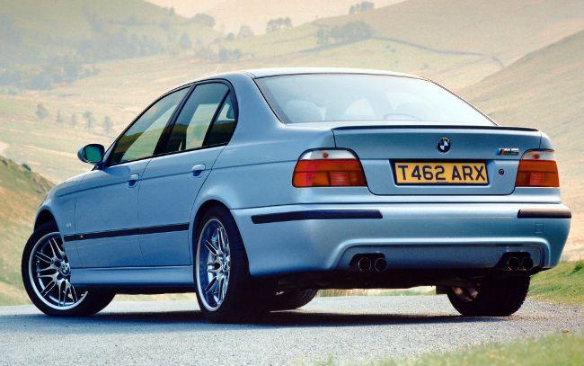 Фото спортивного седана BMW M5 E39S