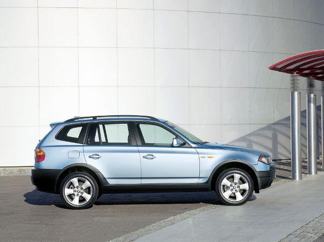 BMW E83 - первое поколение X3