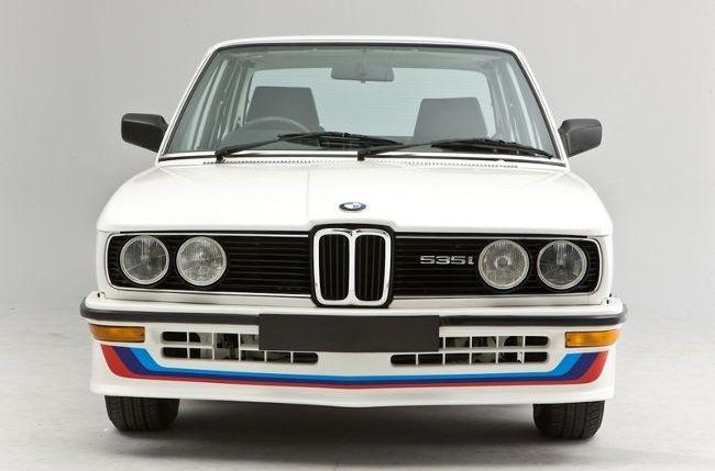 BMW M5 - первое поколение