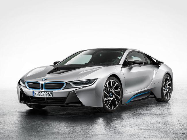 BMW i8 - супер-кар с гибридной силовой установкой