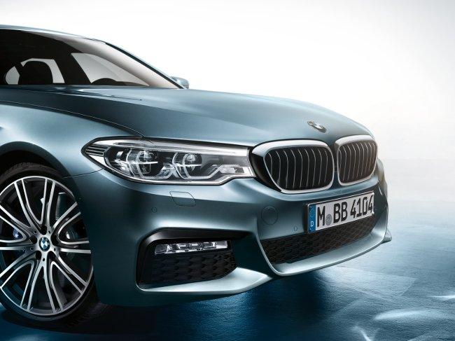 Передняя-часть-BMW-G30-5-Series-2017