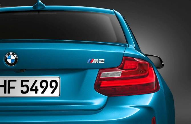 Задняя часть BMW M2 F87