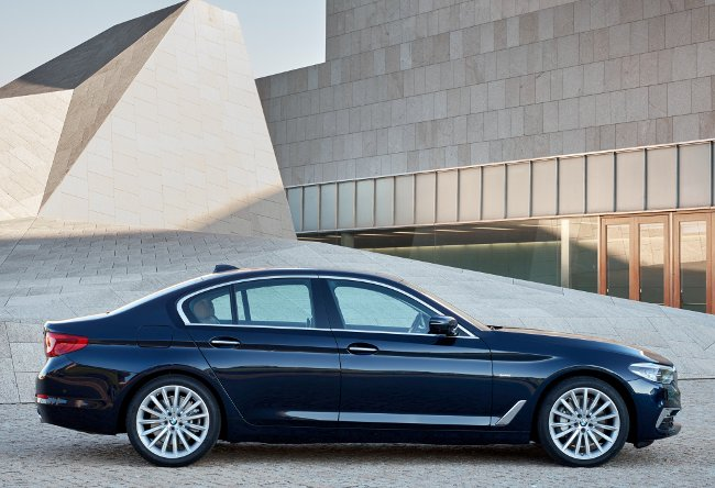 BMW-530d-G30-xDrive-Luxury-Line