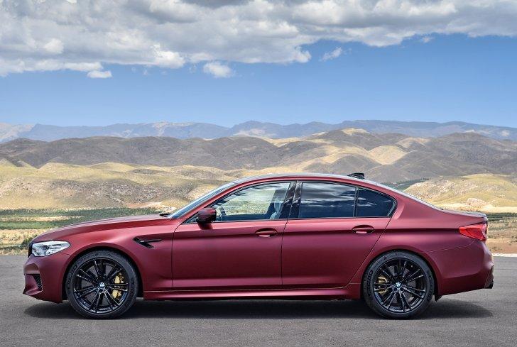 BMW M5 First Edition F90 - фото 5