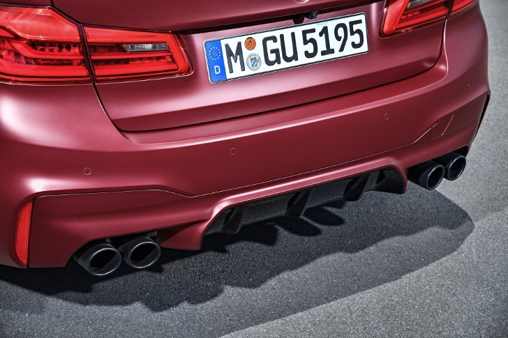 BMW M5 First Edition F90 - фото 10