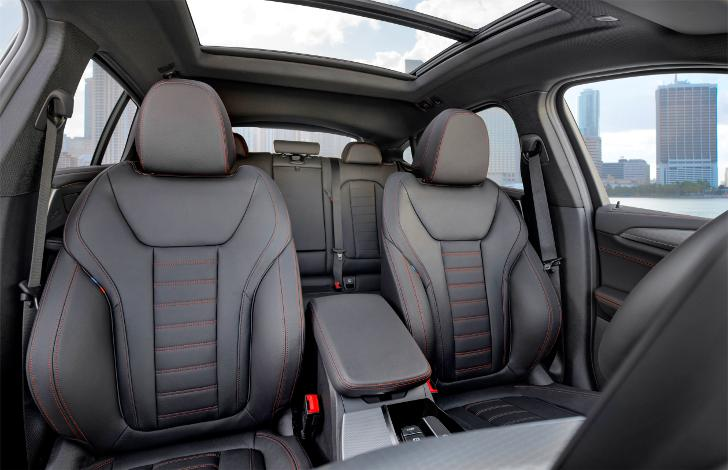 Интерьер BMW X4 G02