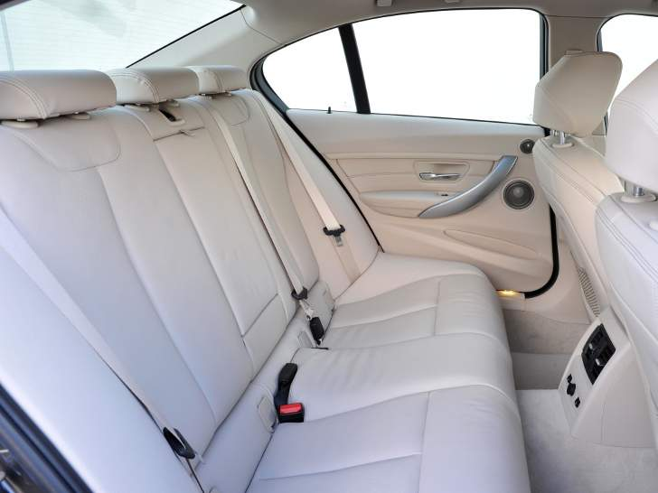 Interior BMW F30 3 Series - review